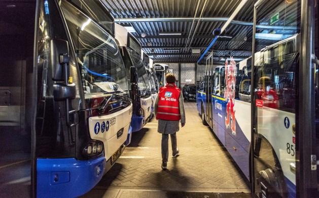Werkgevers verliezen: alle bussen en treinen van Arriva staan maandag en dinsdag stil