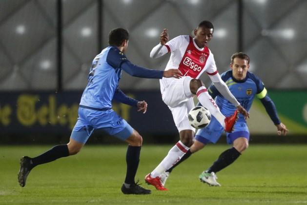 Jong Ajax verkleint achterstand op Fortuna