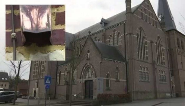 'Nederlandse (39) jatte regenpijpen van Belgisch-Limburgse kerken'