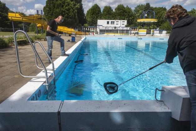 Jongeren terroriseren zwembad Meerssen: 'We worden weleens met flessen nagegooid'