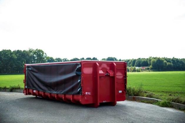Containers vol kippenmest gestolen. Maar wat moet je ermee?