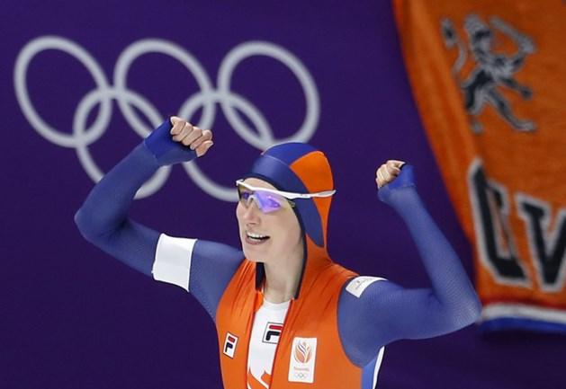 Achtereekte verrast met goud op 3000 meter, podium geheel Nederlands