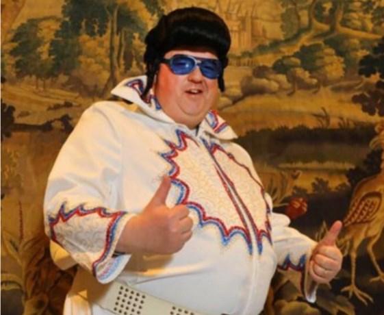 Burgemeester Bruls steelt de show als Elvis