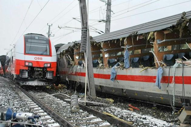 Dode en 22 gewonden bij treinongeluk in Oostenrijk