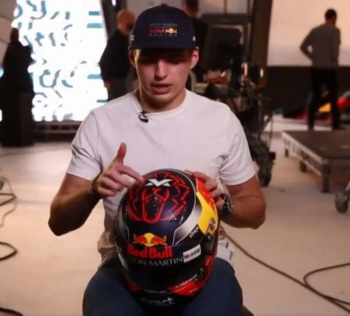Max Verstappen onthult zijn nieuwe helm