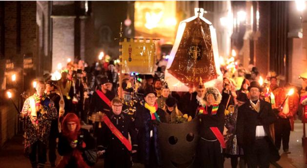 'Nieuwe' uitvaart Maske in Sittard even wennen