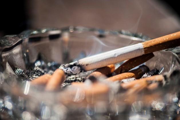 Rokende ambtenaar Roermond onterecht ontslagen