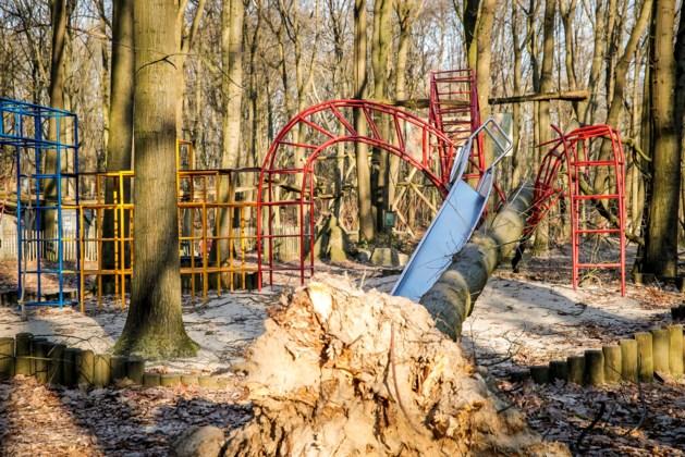 Speelpark Klein Zwitserland blijft nog langer dicht na stormschade