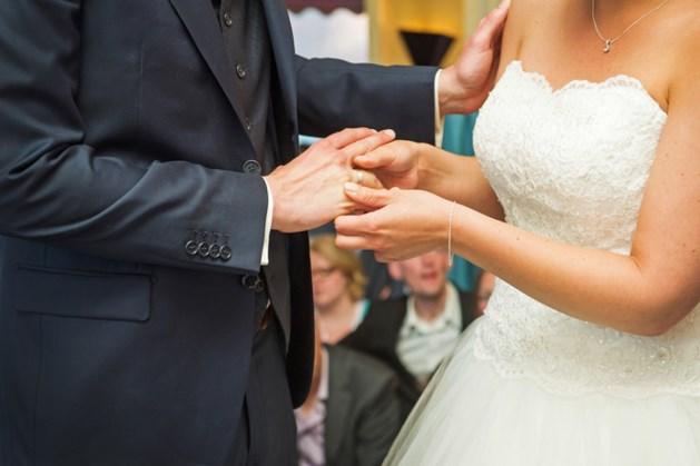 Modeshow in hotel De L'Empereur voor bruidsparen in spé
