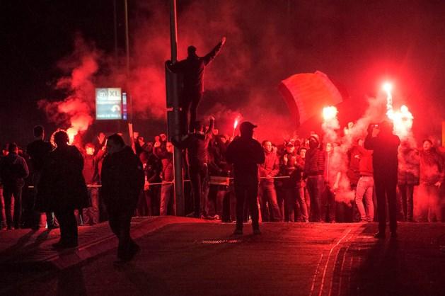 Roda-fans steunen ploeg met mars naar stadion