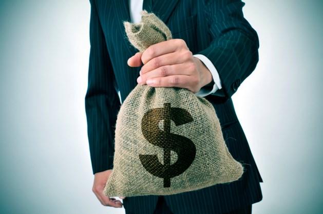 Vakbond over forse loonsverhoging bankiers: Het oude graaien lijkt terug