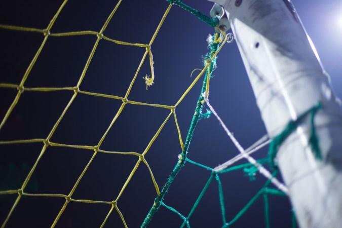 Voetbalclub betaalt geen huur en krijgt deurwaarder op het dak