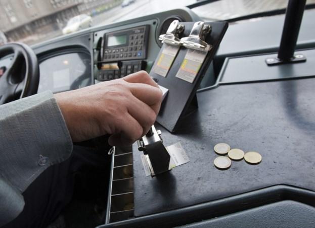 Contant geld verdwijnt, maar wordt de bus ook veiliger?
