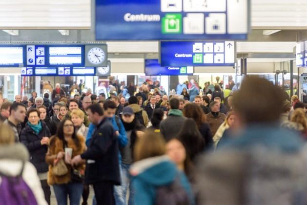 'Les terwijl u op de trein wacht' door Open Universiteit