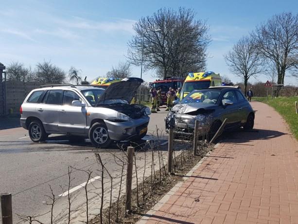 Twee personen raken gewond bij ongeluk in Eckelrade