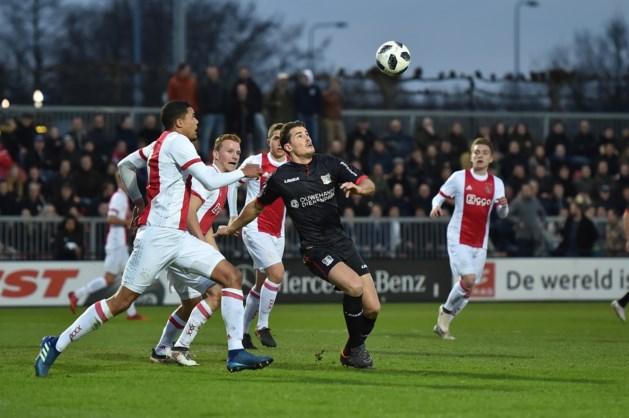 Harde dreun in titelstrijd: ploeterend NEC verliest van Jong Ajax