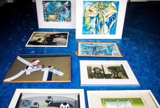 Honderden verstofte kunstwerken op zolder oud raadhuis Geleen
