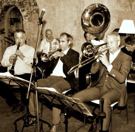 Gumbo Jazzband geeft concert in café de Pieter