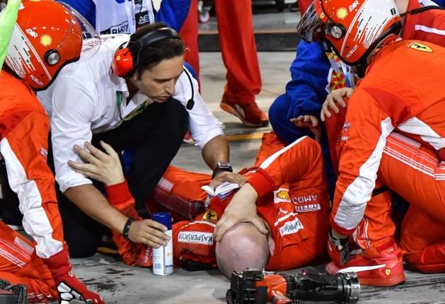 Video: Kimi Raikkonen breekt onderbeen monteur bij pitsstop
