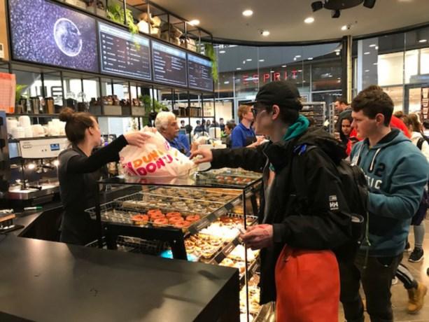 Gekte in Eindhoven om een jaar lang gratis donuts
