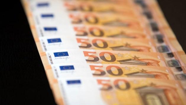 Vrouwen vinden 26.000 euro aan contanten