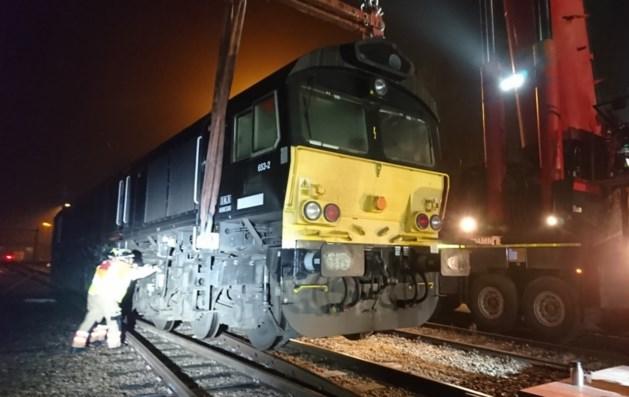 Ontspoorde trein Sittard met kraan teruggezet