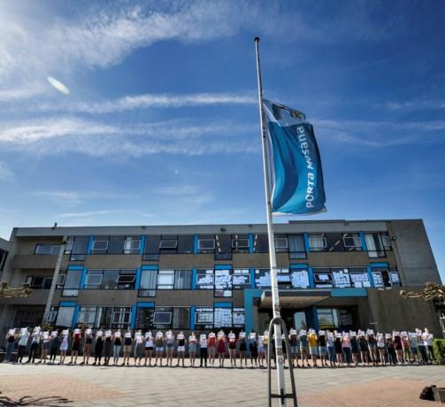 Maastrichtse scholieren protesteren in stilte tegen vertrek leraren