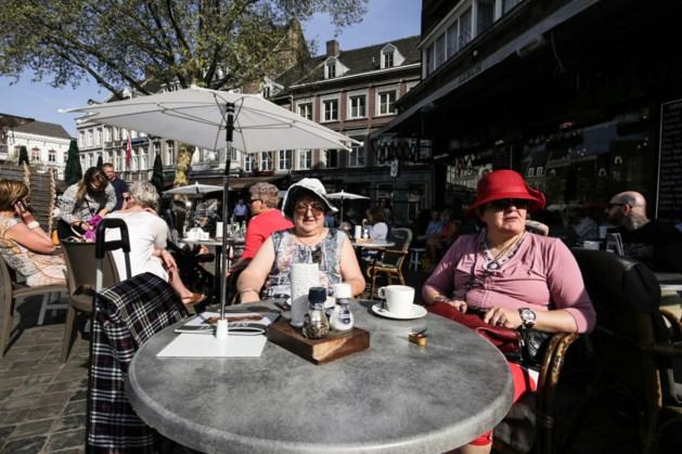 Voor veel Belzje madammen gaat niks boven de Vrijdagmarkt van Maastricht