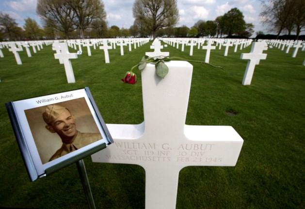 Duizenden grafstenen krijgen een gezicht