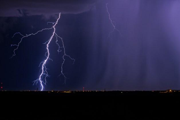 Zware onweersbuien trekken over Limburg