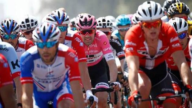 Dumoulin is roze leiderstrui in Giro weer kwijt