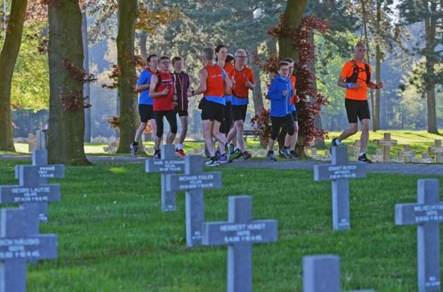 Rennen als eerbetoon langs oorlogsmonumenten