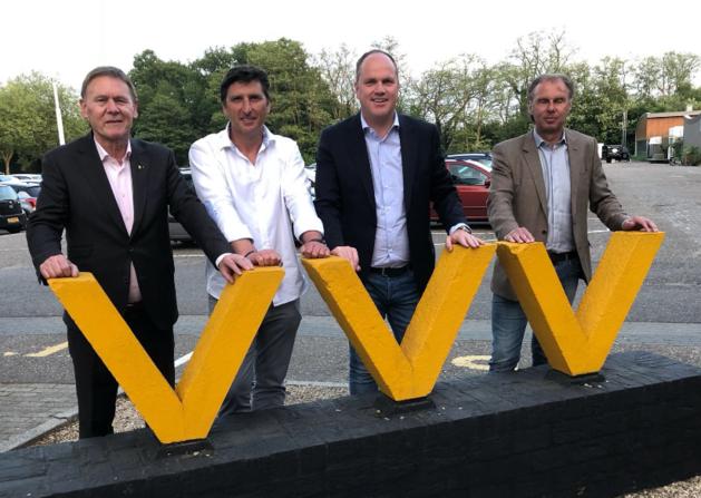 PSV-held Luc Nilis wordt nieuwe assistent-trainer bij VVV
