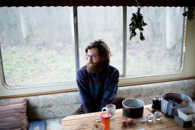Tomas woonde maanden in een wei: 'Ik ben weer mens geworden'