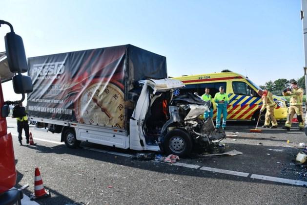 A67 weer open na dodelijk ongeluk met vrachtwagens