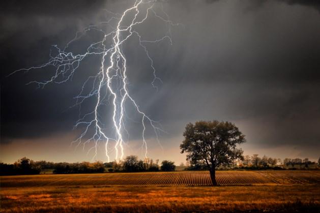 Zware onweersbuien op komst: opnieuw kans op flinke wateroverlast