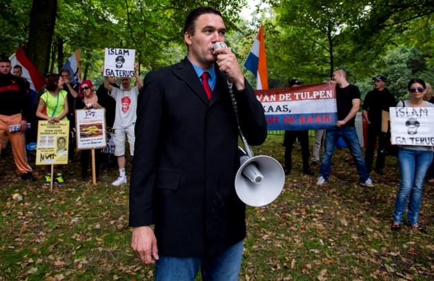 Extreemrechtse NVU protesteert in Weert tegen azc