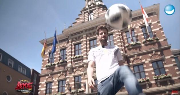 Pijnlijk: Kerkrade krijgt voetballes van Duitse komiek