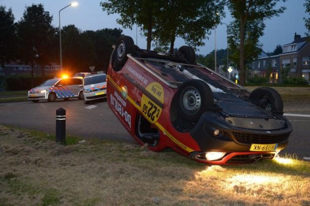 Auto op de kop bij ongeluk in Heerlen