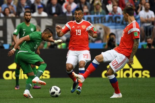 Rusland trapt WK af met historische zege