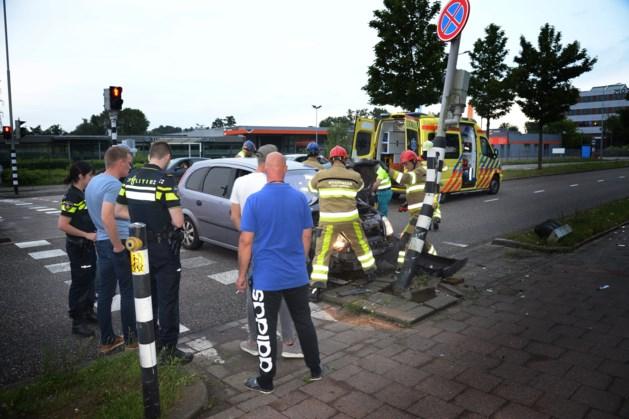 Gewonde bij botsing auto met lantaarnpaal in Heerlen