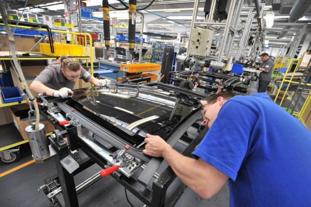 Autodakenfabrikant Inalfa Venray duikt in rode cijfers