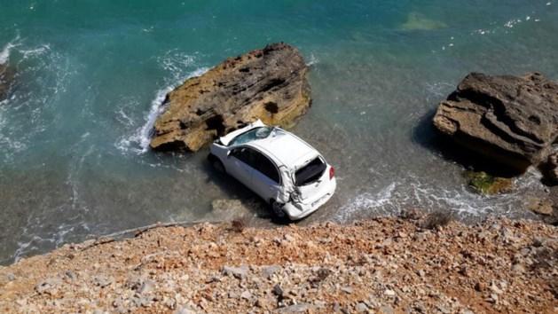 Belgisch koppel rijdt van klif op Mallorca na kiezen verkeerde versnelling