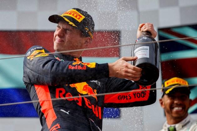 Verstappen ontwijkt chaos en pakt tweede plek in GP Frankrijk
