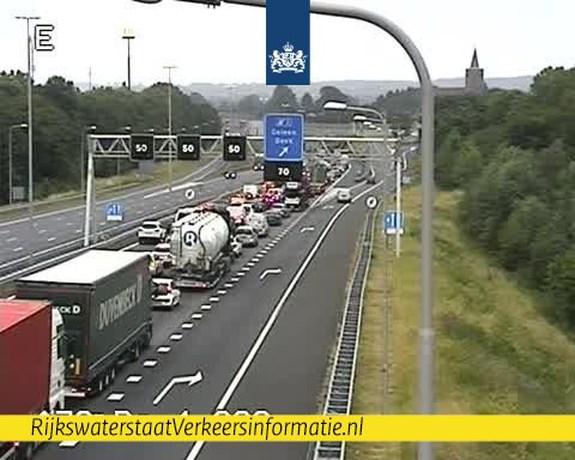 Ongeluk veroorzaakt files in beide richtingen A76