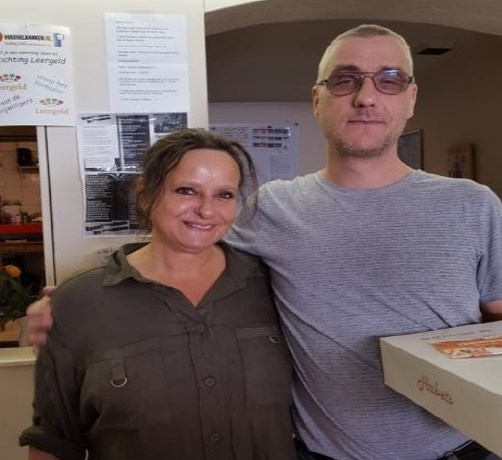 Paar in Heugemerveld viert koperen jubileum bij Voedselbank