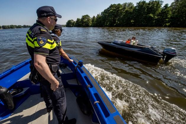 Politiecontrole op Maas bij Maastricht: ruim 30 bekeuringen