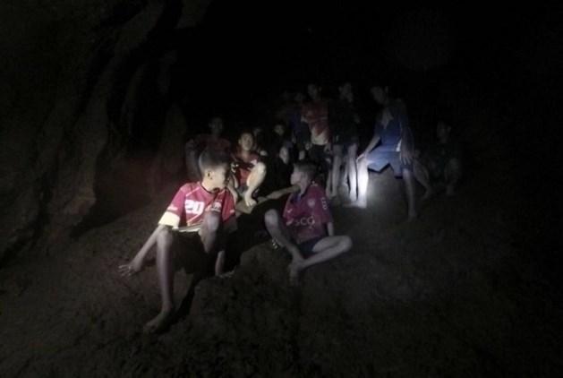 Vermiste jongens levend in Thaise grot gevonden