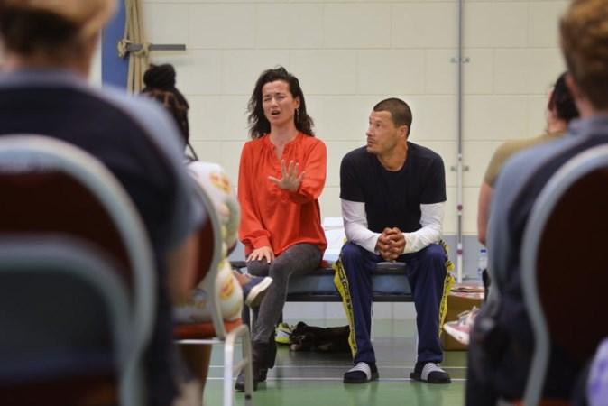 Theatervoorstelling in gevangenis emotionele achtbaan voor gedetineerden en acteurs