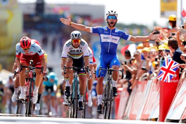 Gaviria wint eerste rit Tour, tijdverlies Froome na val
